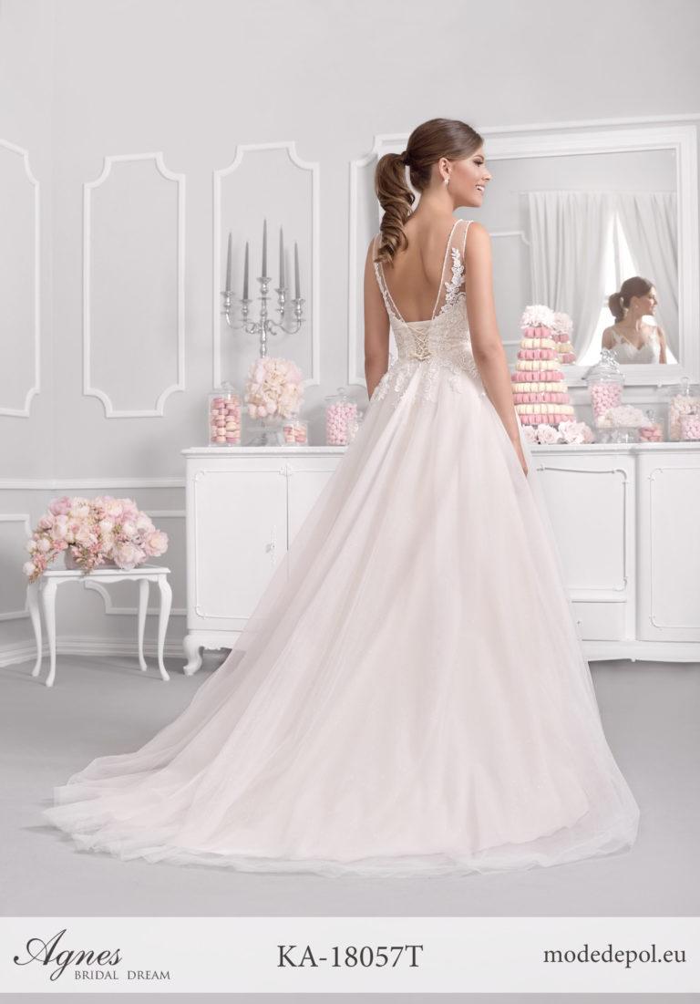 Brautkleid Regensburg mit tiefem Rücken